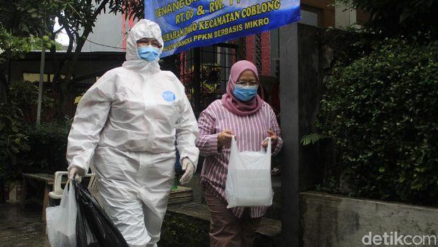 Geliat Warga Gang Bandung Tangkal COVID-19