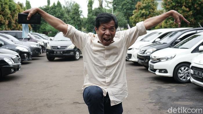 Artis komedi Kiwil bersama Rohimah saat menghadiri sidang cerai dengan agenda keterangan saksi di Pengadilan Agama Jakarta Selatan, Jakarta, Rabu, (17/2/2021).