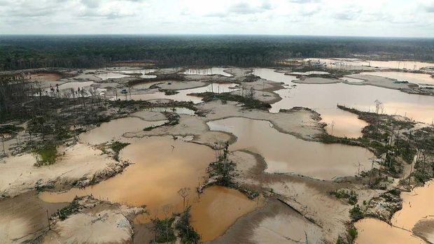 Bekas tambang emas ilegal di Peru