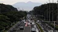 Gunung Gede Pangrango Kelihatan dari Kemayoran, Kualitas Udara Jakarta Memang Lagi Oke