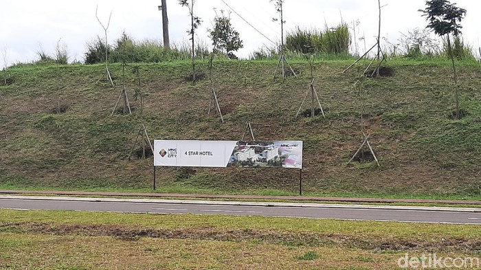 MNC Group diketahui tengah mengembangkan dua wilayah destinasi hiburan MNC Lido City dan MNC Bali Resort. Total nilai investasinya mencapai US$ 1,7 miliar atau sekitar Rp 23,8 triliun (kurs Rp 14.000).