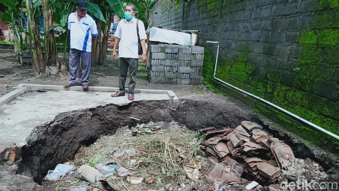 Penampakan sumur warga Klaten yang ambles