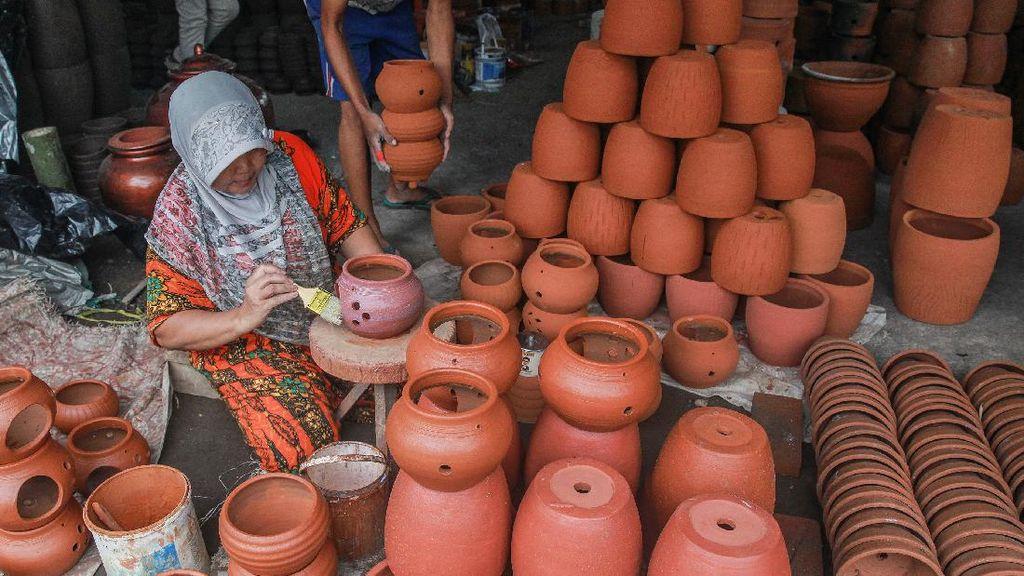 Tren Tanaman Hias Saat Pandemi, Pot Bunga Asal Blitar Banjir Orderan