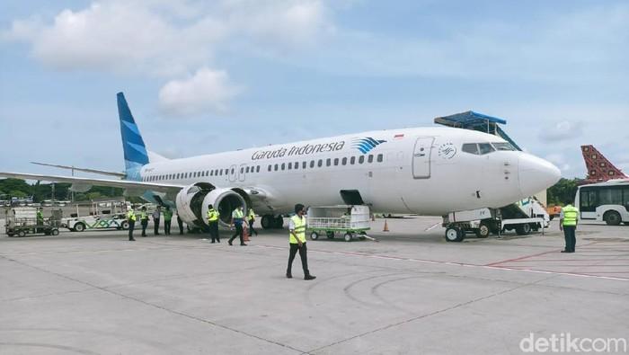 Pesawat Garuda Indonesia tujuan Gorontalo kembali mendarat ke Makassar karena mengalami masalah mesin (Bakri/detikcom).