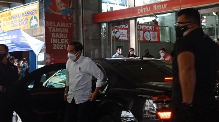 Presiden Jokowi hadiri vaksinasi pedagang Pasar Tanah Abang, Rabu (17/2/2021)