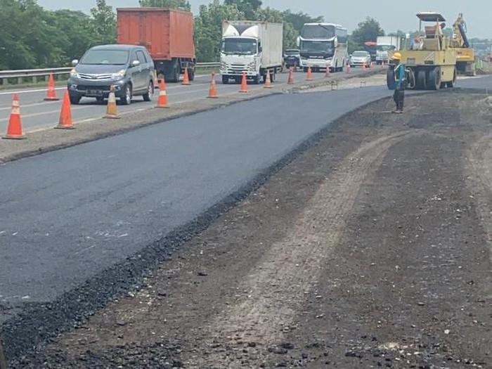 Progress pembangunan jalan sementara di tol Cipali