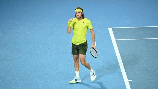 MELBOURNE, AUSTRALIA - FEBRUARY 17: Stefanos Tsitsipas of Greece celebrates winning a point during his Men's Singles Quarterfinals match against Rafael Nadal of Spain during day 10 of the 2021 Australian Open at Melbourne Park on February 17, 2021 in Melbourne, Australia. (Photo by Quinn Rooney/Getty Images)