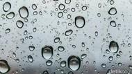 Cuaca Hari Ini, Waspadai Potensi Hujan Lebat Disertai Petir