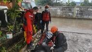 Jasad Pria Ditemukan di Pintu Air di Tanah Abang, Diduga Korban Bunuh Diri