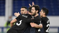 Manchester City Bidik Quadruple