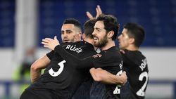 Manchester City Bidik Quadruple