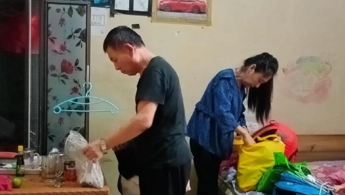 Pasutri yang merupakan WN China diamankan petugas imigrasi kerena tak punya identitas dan izin tinggal