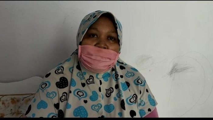 Pariyem (44) nekat melompat dari lantai 2 rumah majikan karena kelaparan pada Selasa (16/2). Kini Pariyem mengalami trauma berat.