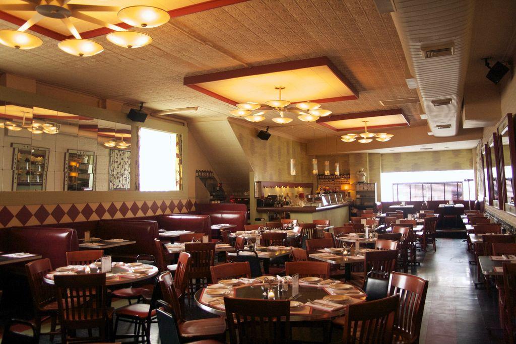 restoran ini dapatkan tip rp 28 juta