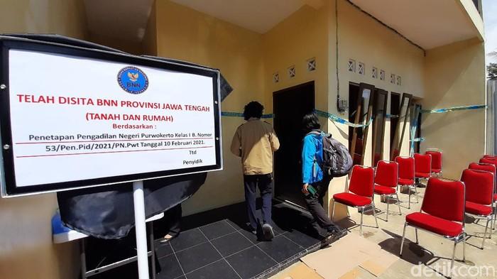 Rilis penyitaan aset bandar narkoba milik Budiman senilai Rp 606 juta di Banyumas, Kamis (18/2/221)