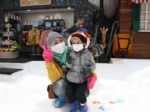 Banyak Promo Trans Snow World Bekasi di Februari Ini, Yuk Cek!