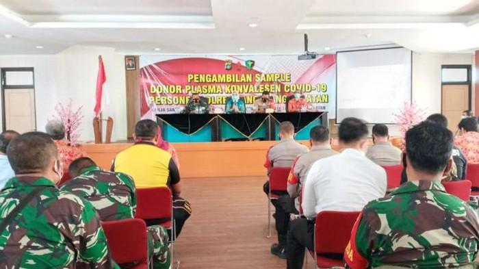 50 personel TNI-Polri penyintas COVID-19 donor plasma konvalesen di Tangsel.