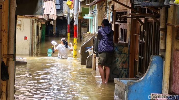 Banjir di RT 13 RW 4, Kebon Pala 2, Kampung Melayu, Jatinegara