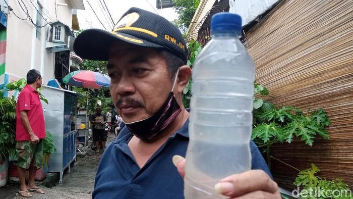 Cerita Ketua RW terkait genangan berwarna putih susu di Sunter Jaya kemarin