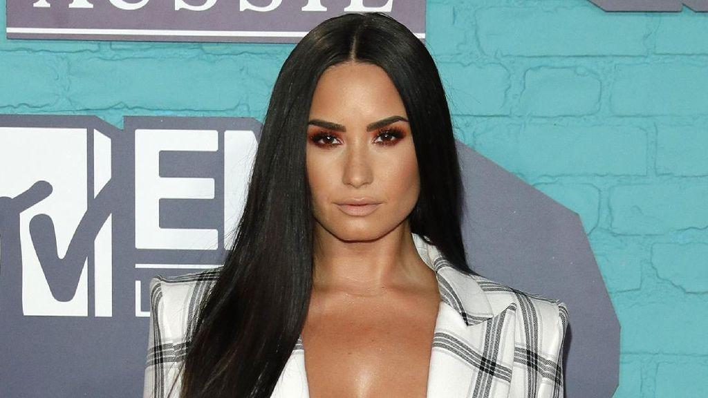 Demi Lovato Masih Konsumsi Alkohol dan Ganja Meski Hampir Mati karena OD