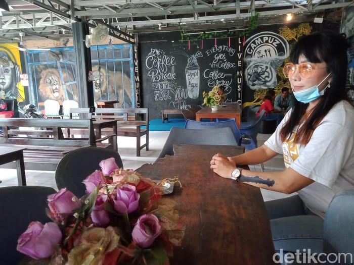 Janda Blitar Jual Cafe Bonus Istri