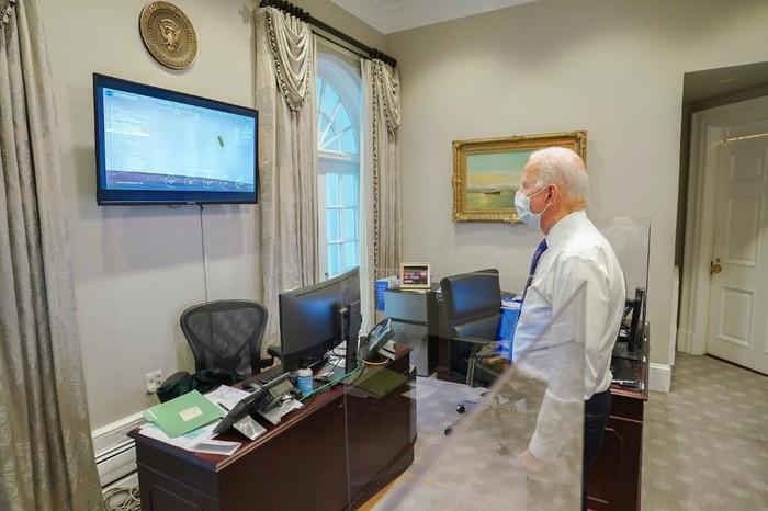 Joe Biden Nonton Pendaratan di Mars
