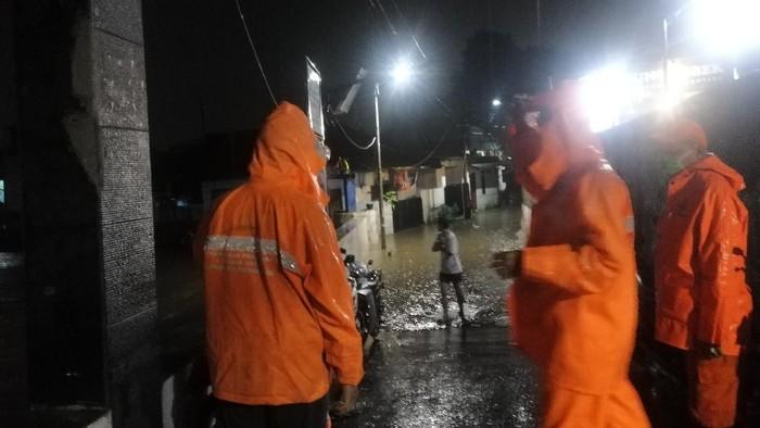 Perumahan di Halim Jaktim Kebanjiran, Tinggi Air Capai 50 Cm