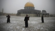 Potret Kompleks Al Aqsa yang Diselimuti Salju