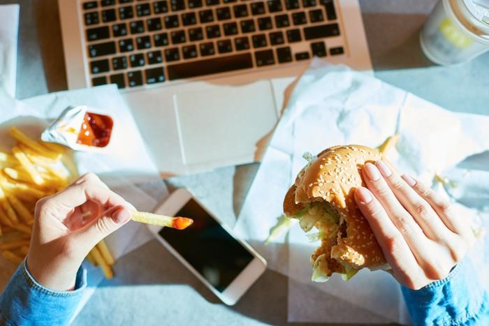 7 Makanan yang Harus Dihindari Penderita Kolesterol, Ini Daftarnya!