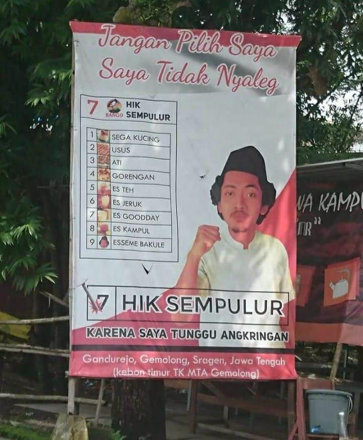 Kreatif Banget! Angkringan Ini Promosi Pakai Baliho ala Kampanye Caleg
