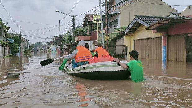 Sabtu (20/2/2021) Banjir di Pandok Gede Permoy, Pekasi.