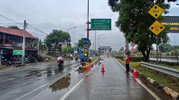 Gerbang Tol JORR Seksi S yang ditutup imbas banjir