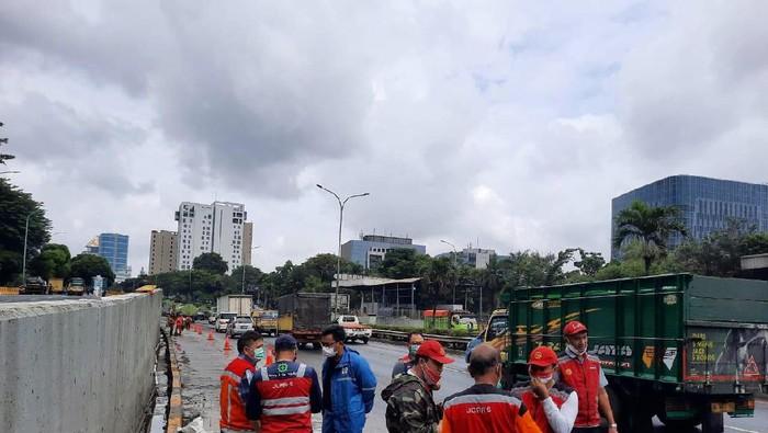 Gerbang Tol JORR Seksi S yang ditutup imbas banjir kembali dibuka
