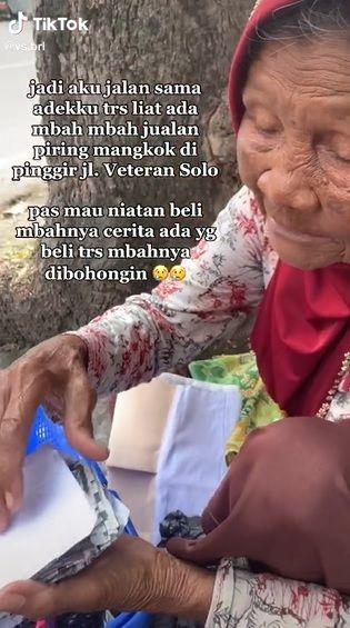 nenek penjual piring ditipu