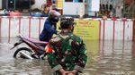 Penampakan Banjir Rendam Jatibening Permai Bekasi di Hari Kedua