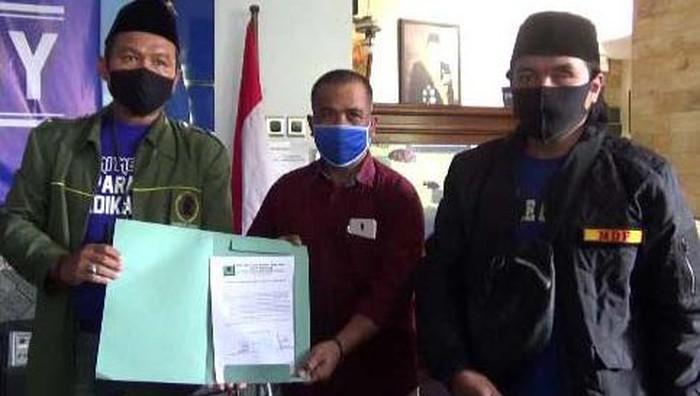Pengurus Barikade Gus Dur DPC Kota Malang menyampaikan keberatan atas pernyataan politikus Partai Demokrat Rachland Nashidik
