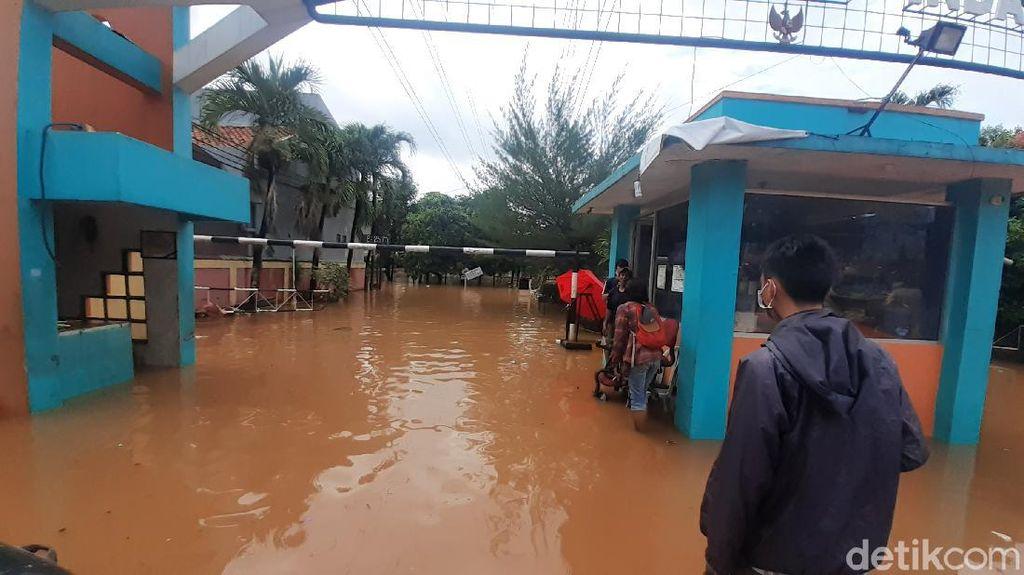 Banjir Rendam Rel, Jadwal Kereta Jarak Jauh dari Jakarta Dibatalkan