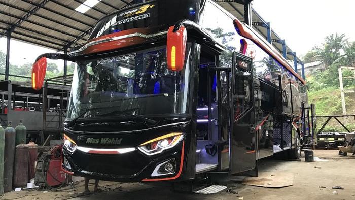 Bus Mas Wahid