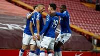 Everton Pede Saingi Chelsea Finis Empat Besar