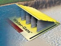 Water-Gate Self-inflating Barrier buatan Hydro Response Ltd dari Selandia Baru.
