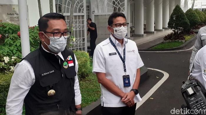 Gubernur Jabar Ridwan Kamil dan Menparekraf Sandiaga Uno