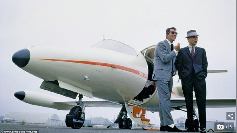 Learjet milik Frank Sinatra