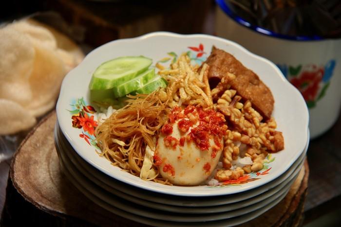 Racikan Nasi Gurih Sederhana yang Berawal dari Makanan Ritual