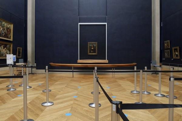 Museum Louvre sudah tutup sejak 4 bulan lalu.