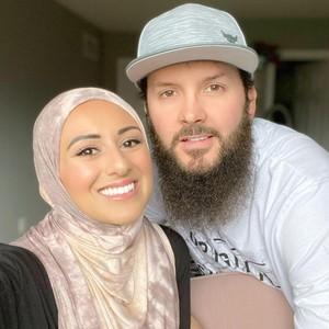 Influencer Kanada Rilis Hijab Ramah Lingkungan, Angkat Citra Islam