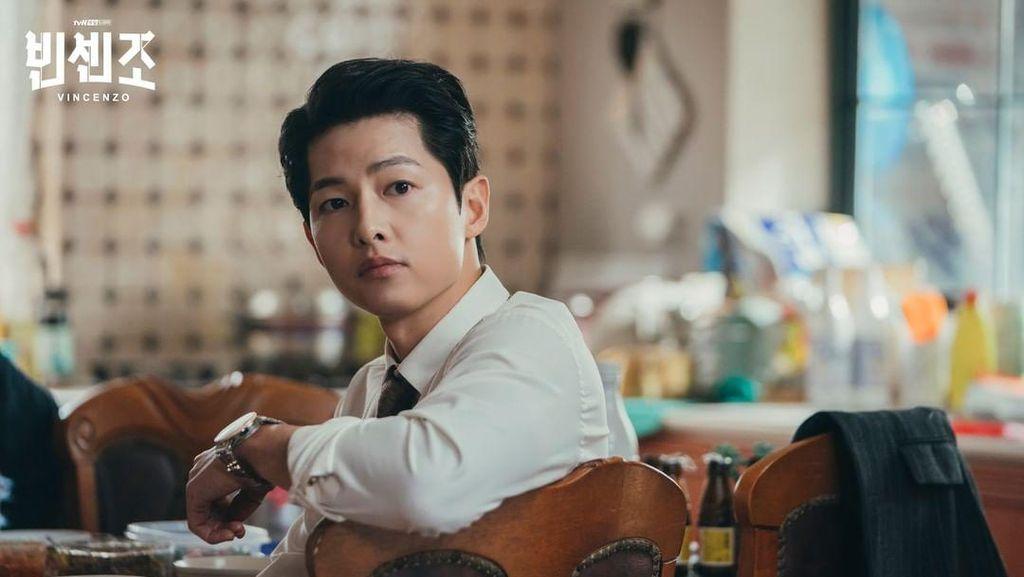 Song Joong Ki hingga Joo Ji Hoon, 7 Aktor yang Tampil Keren Jadi Pengacara