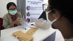 UGM buka layanan tes COVID-19 melalui metode GeNose C19. Genose Center ini berada di Gedung Tahir Foundation, Pasca Sarjana Fakultas Kedokteran UGM, Yogyakarta.