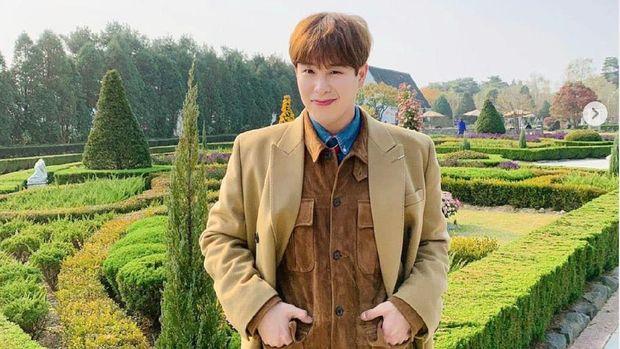 Kehidupan konglomerat di drama Korea bukan fiksi. Ini 9 artis Korea yang terlahir dari keluarga tajir di dunia nyata. P.O BTOB.