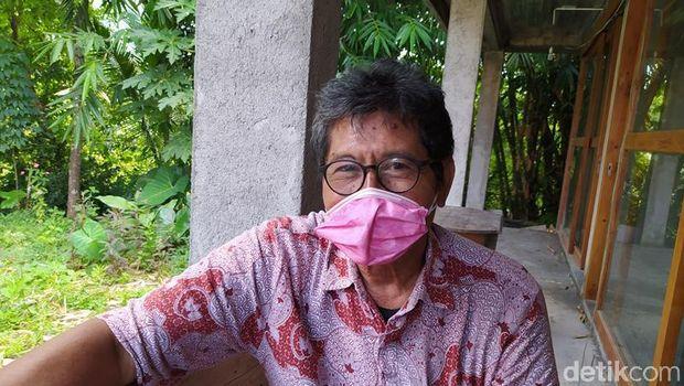 Suparno, salah satu orang yang mendokumentasikan dalam proses pemugaran kedua Candi Borobudur.