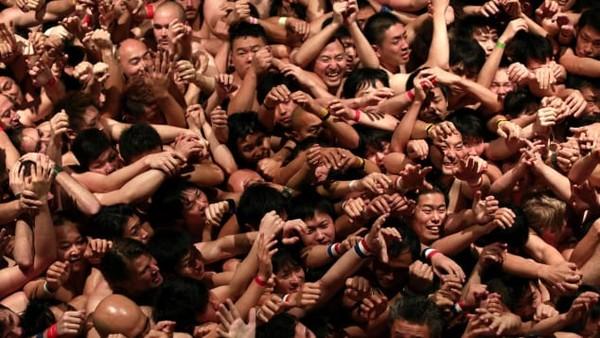 Sebelum pandemi, festival ini biasanya diikuti sampai 10 ribu peserta. Tapi tahun ini hanya 100 orang terpilih saja. (AFP)